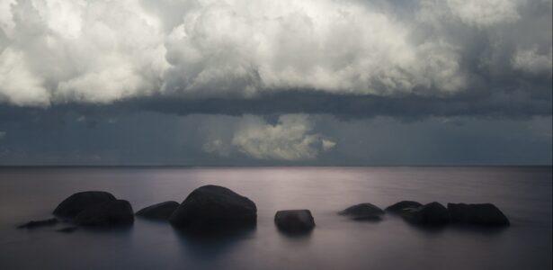 Ocean ma istotny wpływ na pogodę i klimat.